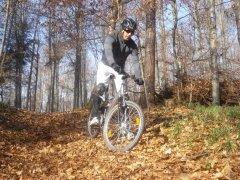 09-AdnanMountainbiken.JPG